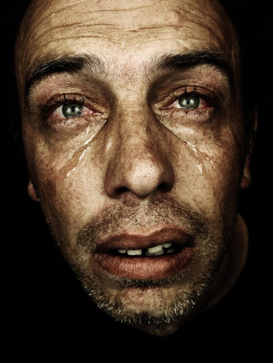 рбк фото плачущих людей линией